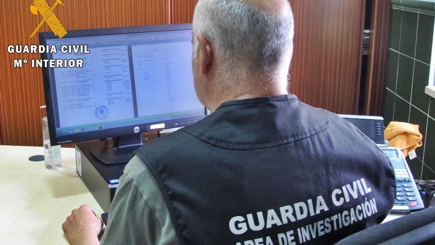 Detenido un vecino por estafar 73.060 euros a dos octogenarios