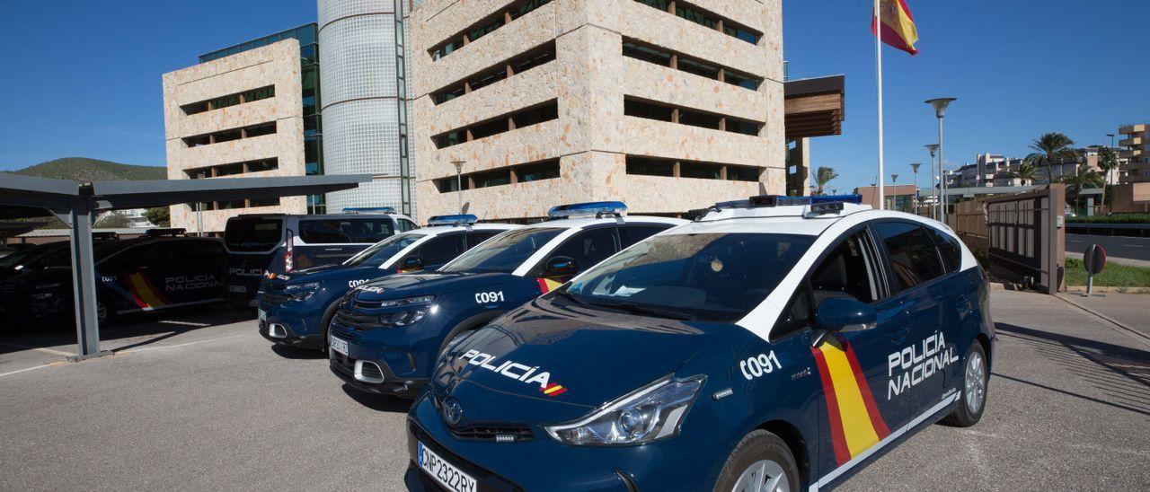 La Policía Nacional de Ibiza investiga al supuesto estafador, nacido en Sitges.