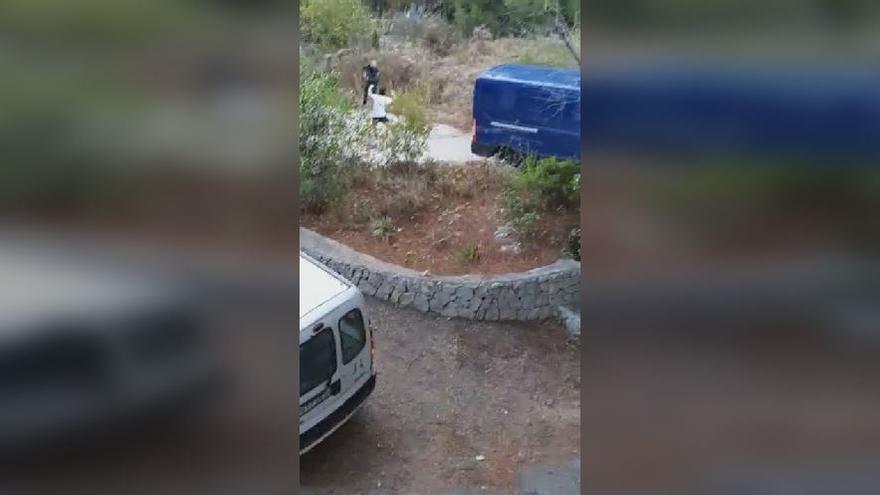Persecución de película en Calp con tiros al aire y a las ruedas