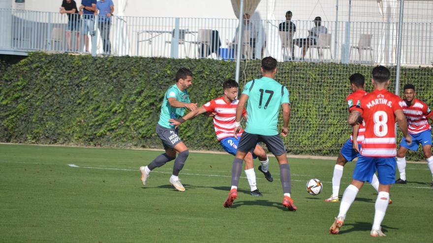 El Águilas, líder tras ganar en Granada (0-2)