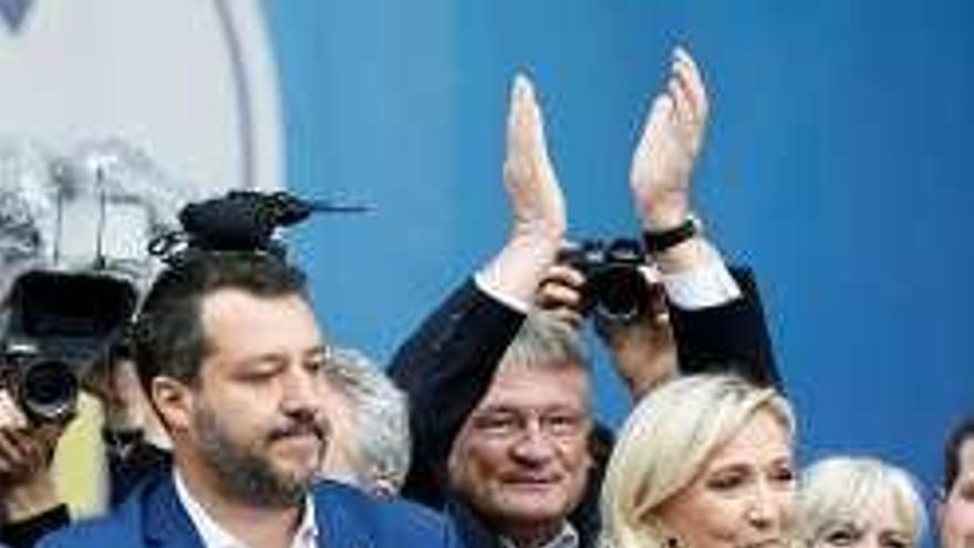 El liguista Salvini reúne en Milán a la plana mayor de la extrema derecha europea