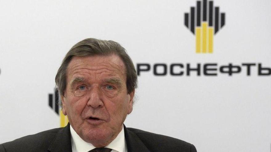 Schröder, el canciller con las manos manchadas de petróleo