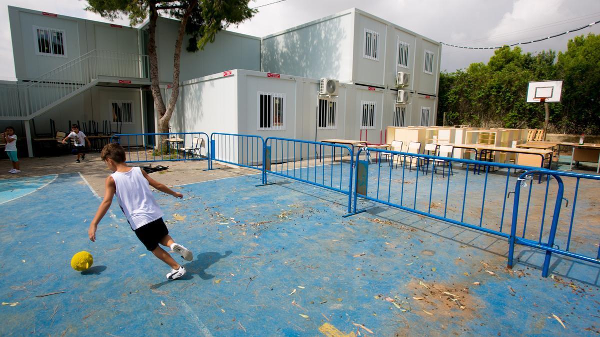 Imagen reciente de los barracones del colegio La Cañada,