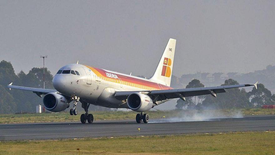 Cuatro líneas copan el 80% de los vuelos en Galicia pese a que la oferta supera la docena