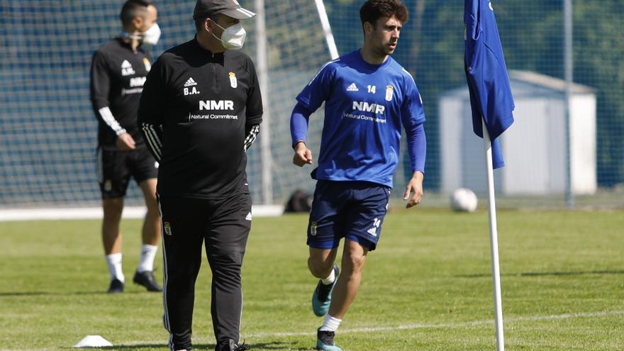 """Jimmy, centrocampista del Real Oviedo: """"En el equipo no hay ansiedad ni nerviosismo de ningún tipo"""""""