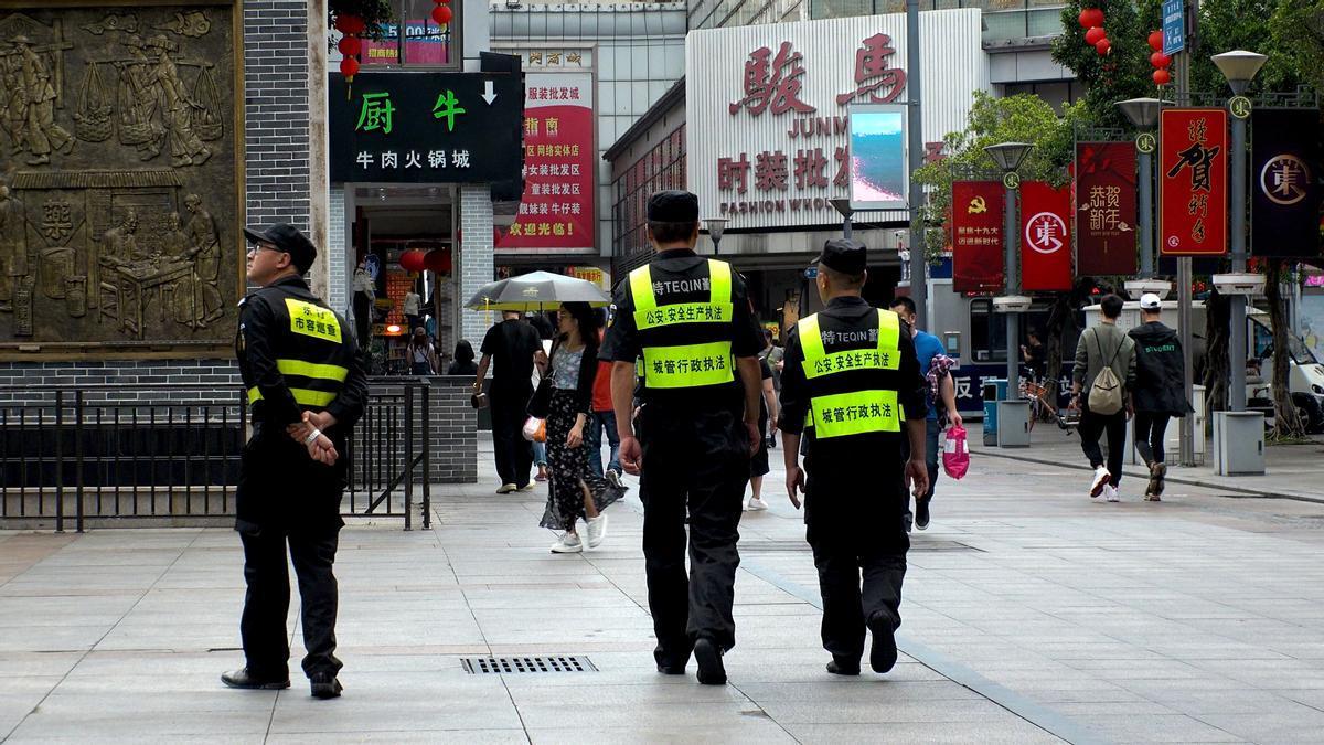 Agentes de policía en China.