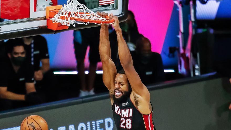 Miami elimina a Milwaukee y los Lakers cobran ventaja en su serie ante los Rockets