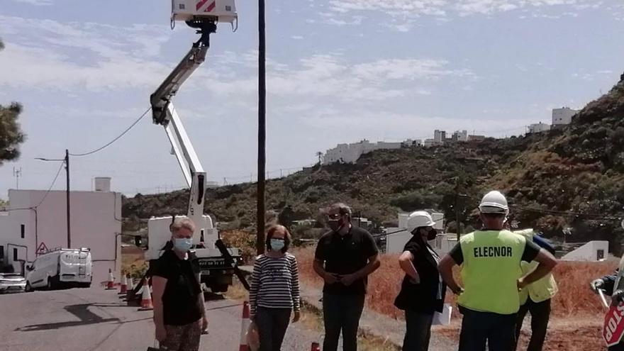 Los Arenales y el barranco de Los Cernícalos ya cuentan con nueva luminaria led en la vía pública