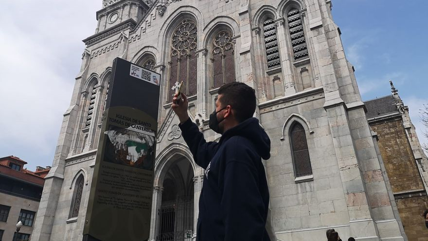 Avilés despliega una red de códigos QR pensada para facilitar al turista su estancia en la ciudad