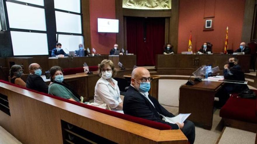 El TSJC condena a los exmiembros de la Mesa del Parlament a 20 meses de inhabilitación