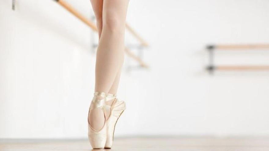 Aprenentatge de dansa amb la tècnica de ballet clàssic com a referent a AB Dansa