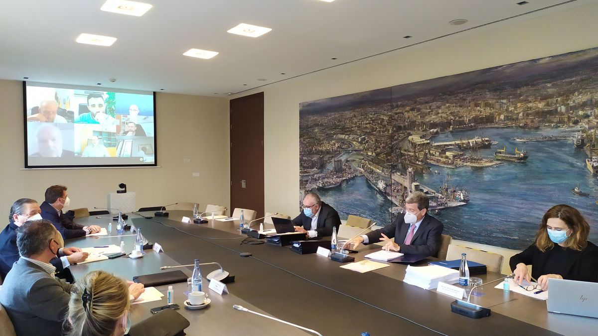 Un momento de la reunión del consejo de administración de Valenciaport