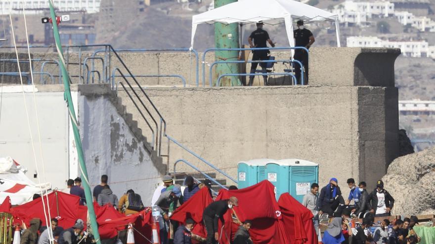 Barcelona acogerá a 50 inmigrantes procedentes de Canarias