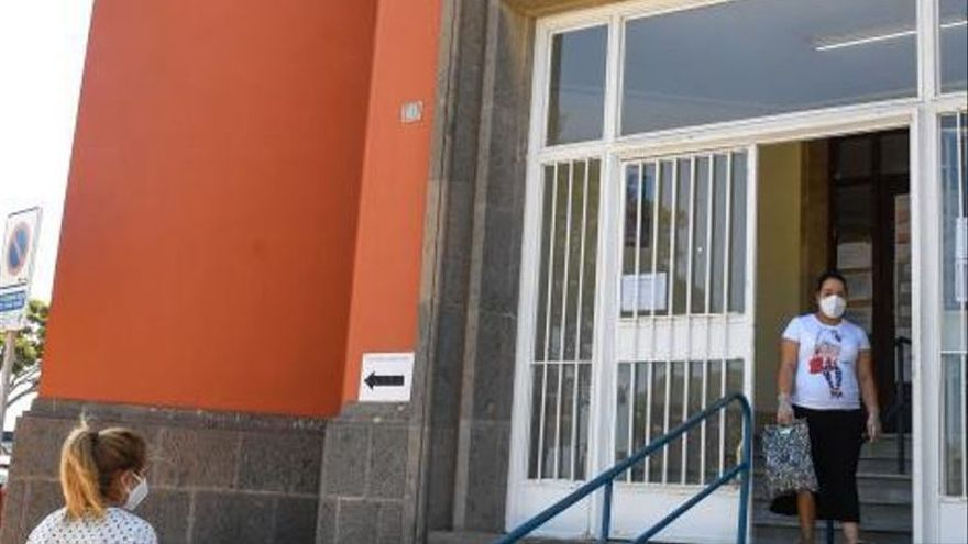 Los centros de salud aplazan las pruebas diagnósticas rutinarias