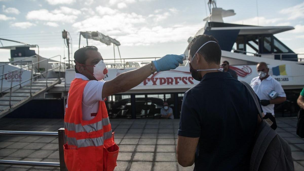 Control de temperatura en el puerto de Órzola.