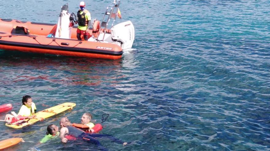 Simulacro de rescate marítimo en sa Sal Rossa