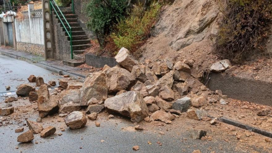 Veïns de la urbanització Roca de Malvet de Santa Cristina d'Aro denuncien l'estat «tercermundista» dels seus carrers