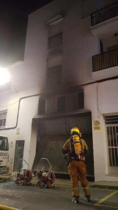 Incendio en el garaje de un edificio de Altea
