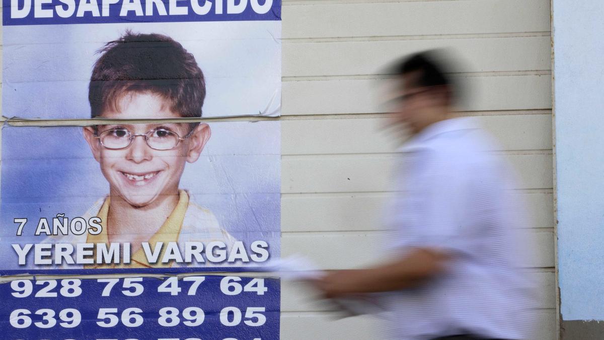 Cartel con la desaparición del niño Yéremi Vargas.