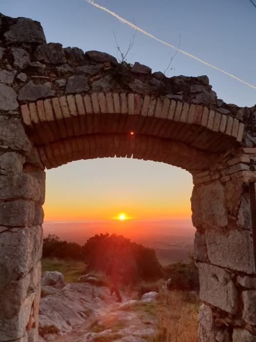 Un cel net i clar rep el primer sol del 2019