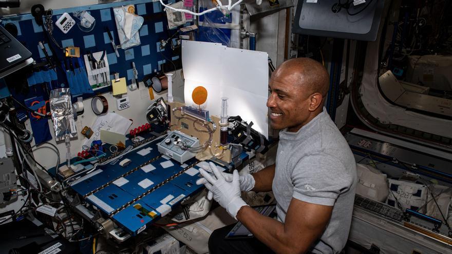 La NASA y SpaceX vuelven a aplazar el regreso de su primera misión a la EEI