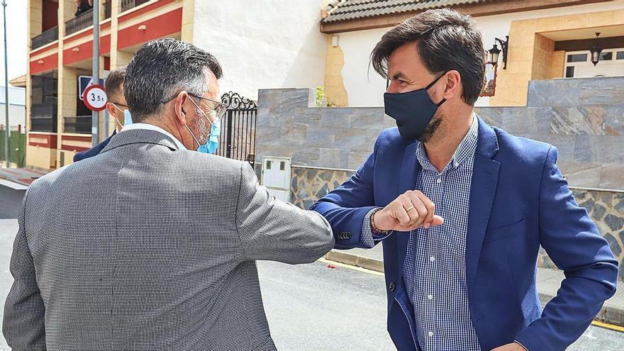 Orihuela y Rafal «suavizan» su conflicto con un convenio para compartir servicios