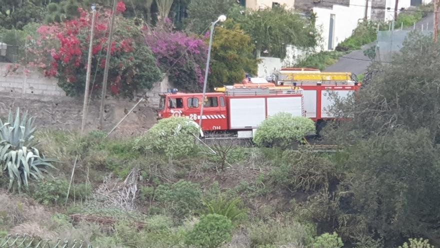 Extinguen un incendio en Tegueste