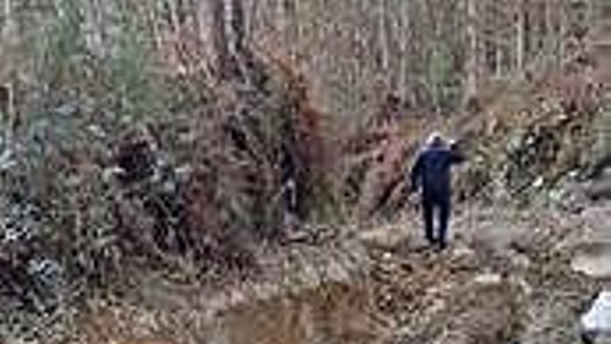 La comunidad de montes del Xalo acude a la Guardia Civil por destrozos de varios 4x4