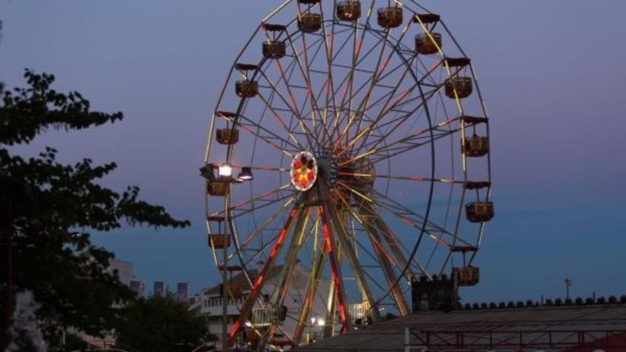 UGT valora que se garantice el uso como parque de atracciones de los terrenos de Tívoli