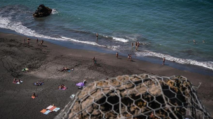 La Orotava reabre la playa del Bollullo dos meses después