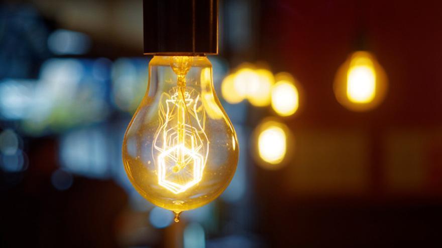 Septiembre arranca con la electricidad desbocada y un récord histórico en su precio