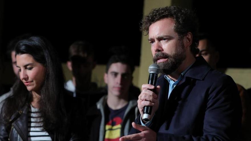 Vox insiste en ilegalizar a partidos que no creen en la unidad de España