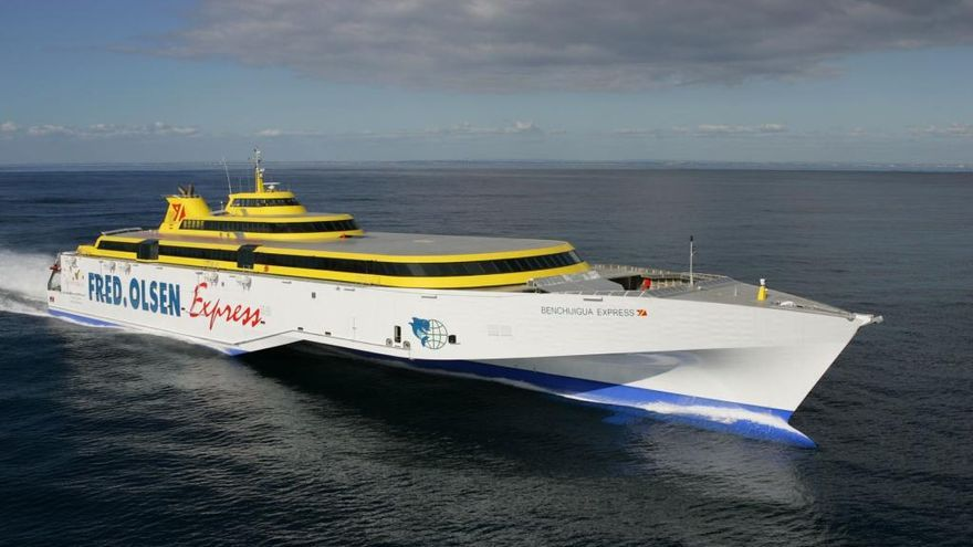 Nueva ruta en barco a Canarias a partir de noviembre
