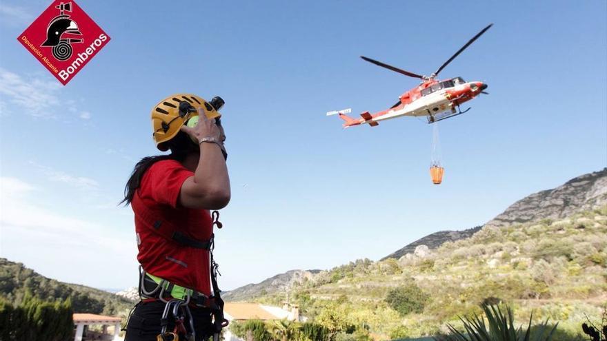 Estabilizado el incendio de Alcalalí provocado por una quema descontrolada