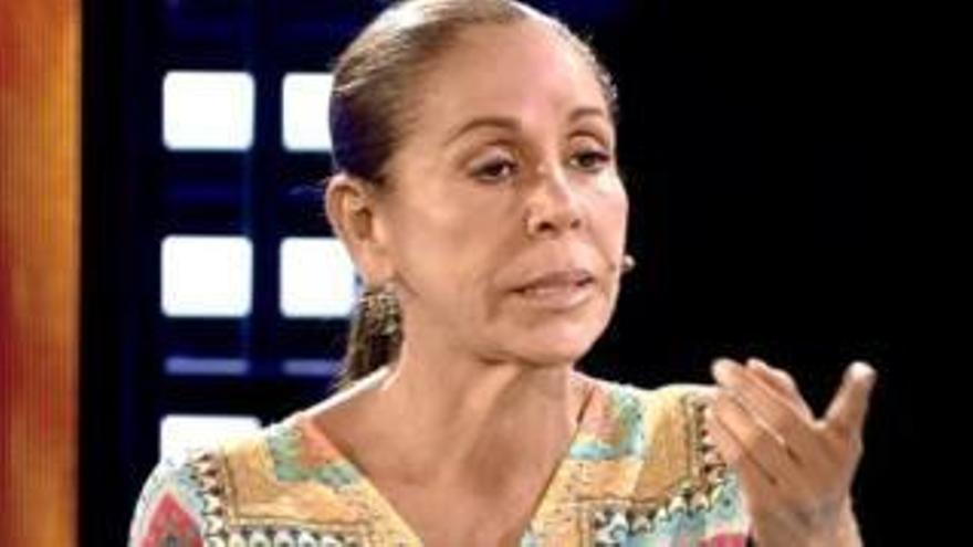"""Una colaboradora de Mediaset estalla contra Isabel Pantoja: """"Es muy soberbia, un poco de humildad no le vendría mal"""""""