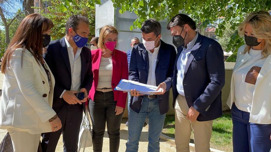 El PP de Alicante entrega sus primeros 600 avales a Carlos Mazón