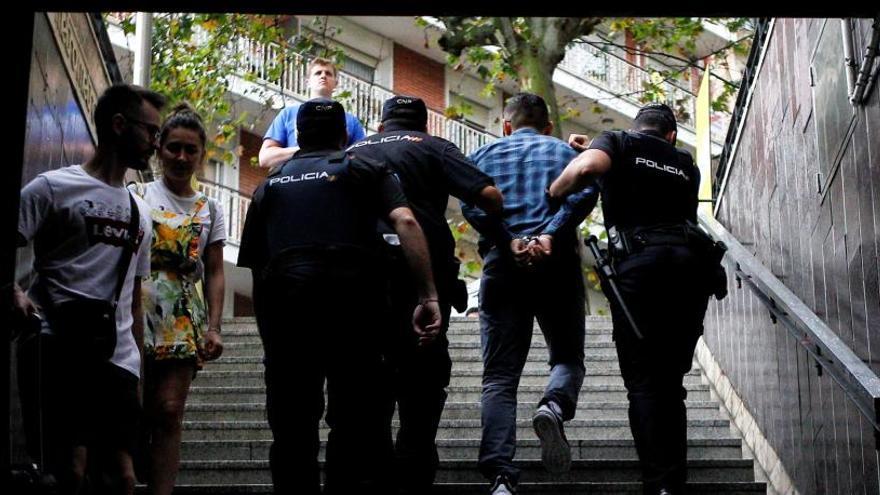 Operación de los Mossos y la Policía contra los carteristas en Barcelona