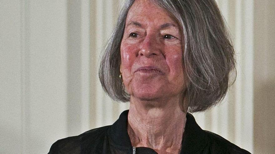 El Nobel guardona l'austeritat i la claredat de l'obra de Louise Glück