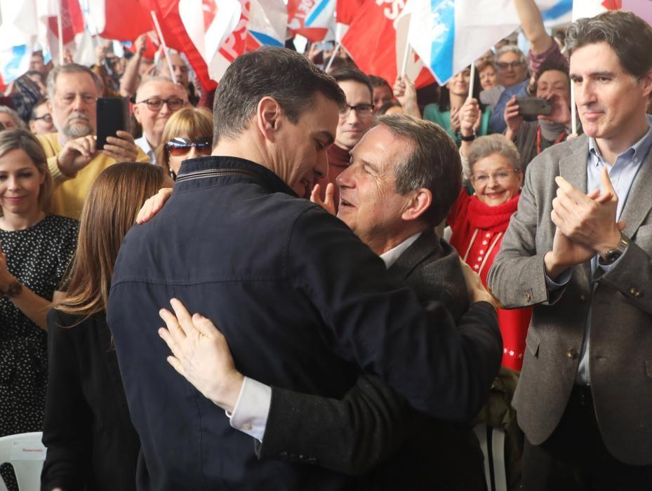 Sánchez lanza a Caballero en Galicia para el 5-A