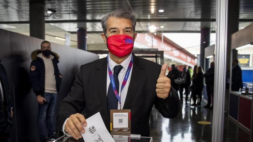 Los socios del FC Barcelona votan al sustituto de Josep Maria Bartomeu