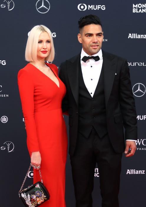 El futbolista colombiano Radamel Falcao y su esposa Lorelei Taron.