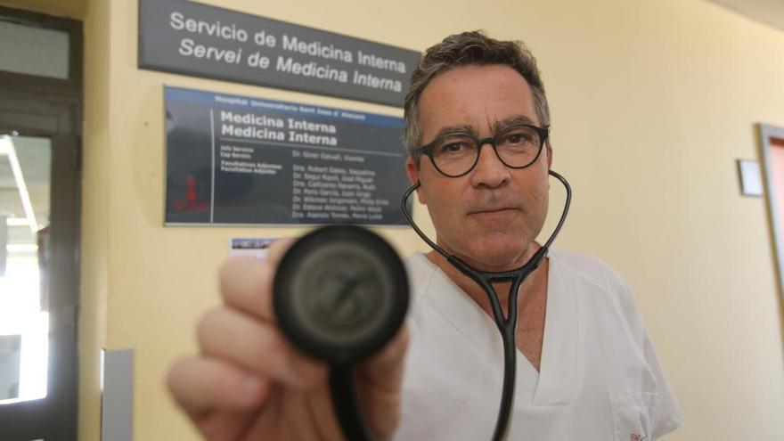 Vicente Giner: «Tomar antibiótico por un constipado es inaceptable»