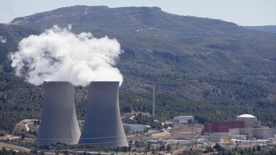 Cofrentes traslada 46,5 toneladas de uranio gastado a su nuevo almacén seco