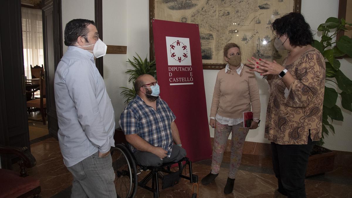 Las diputadas de Bienestar Social y Turismo se reunieron con representantes de Cocemfe Castellón