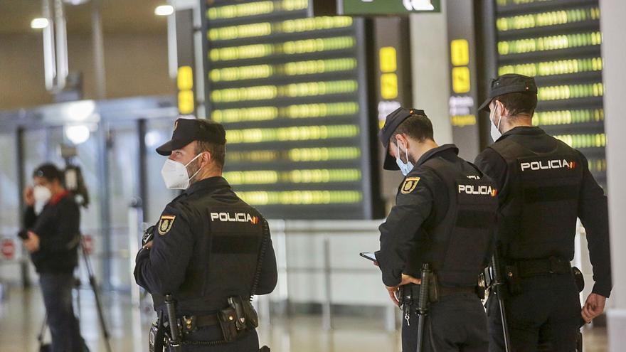La Policía frena en Canarias la llegada de migrantes a la Comunitat Valenciana