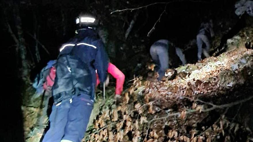 El lobo, la noche y un rescate: la angustia de una familia de Castrillón perdida en Redes
