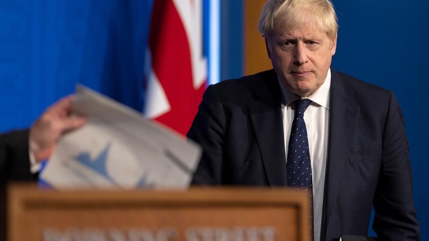 """Johnson reajusta su Gobierno para formar un equipo """"fuerte"""""""