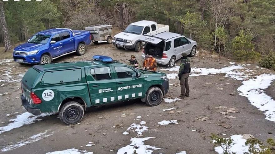 Denuncien dos caçadors que es van saltar el confinament per 20 metres