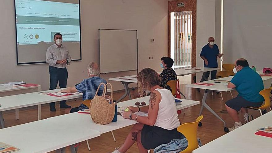 Sagunt inicia los cursos para las asociaciones sin ánimo de lucro