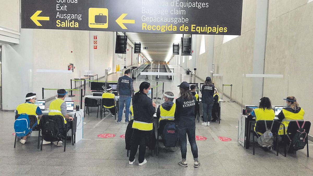 Hasta ahora en Son Sant Joan solo se exige PCR negativas a turistas internacionales.